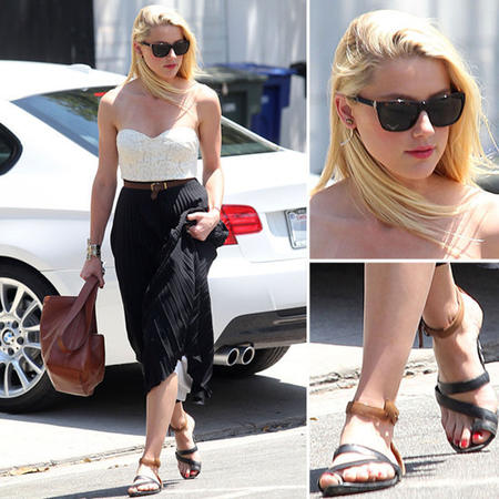 Beautiful-Black-Maxi-Skirts-Style-For-Girls-Trends-2013-Amber-Heard-pleated-maxi-skirt