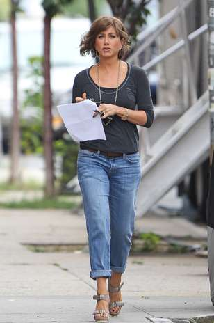 jennifer-aniston pantalon denim boyfriend