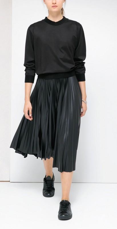 Zapatilla-MANGO-con-falda-de tablas