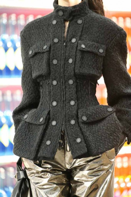 chanel-chaqueta-tweed-militar