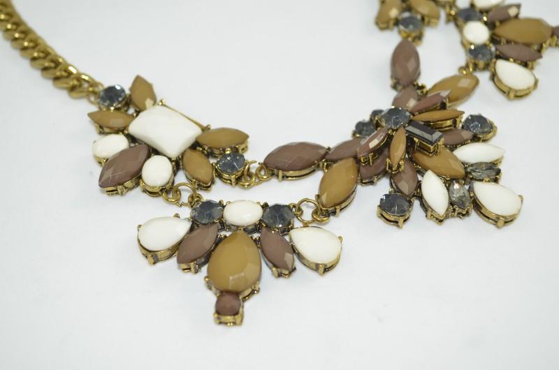 cadena con piedras en Vintaway.com
