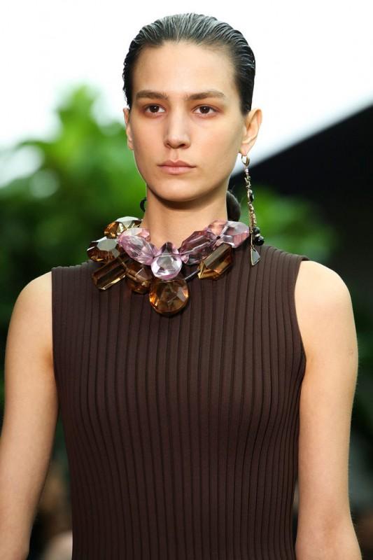 Celine joyas en el cuello