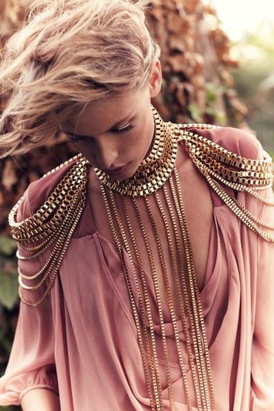 collar-cuerpo12