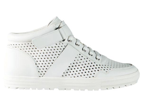 tendencias-verano-2015-sneakers-blancas-stradivarius
